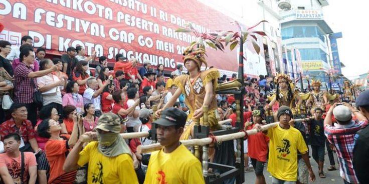 Catat, Ini Agenda Festival Cap Go Meh 2568 Di Kota Singkawang - http://darwinchai.com/traveling/catat-ini-agenda-festival-cap-go-meh-2568-di-kota-singkawang/