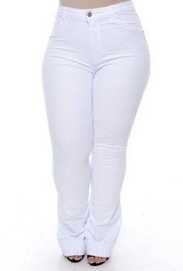 b07fab649 Calça Branca Flare Plus Size Aylla   marlene alves vestidos em 2019 ...
