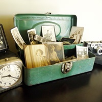 tool box displays vintage photos...love it!
