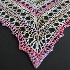 Zomerse omslagdoek haken   draadenpapier   Gratis patroon van Zomaar Een Dag