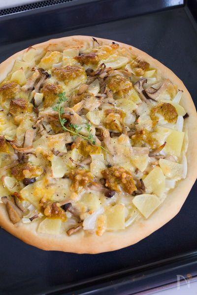 子供の大好きなカレー味のツナに、まろやかなホワイトソースを合わせた、我が家の定番ピザです! 「基本のピザ生地」のレシピはこちら→https://oceans-nadia.com/user/13062/recipe/170745 「豆乳ホワイトソース」のレシピはこちら→https://oceans-nadia.com/user/13062/recipe/170717