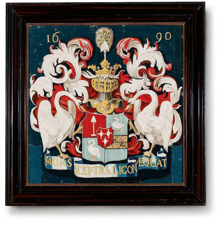 Het overtrek verbeeldt het persoonlijke wapenschild van Pieter de Graeff, heer van Purmerland en Ilpendam en kastheelheer van Ilpenstein. Decoratieve kussenslopen, vaak gebruikt om de harde houten banken te verzachten, waren een populair luxegoed in Nederland in de zeventiende eeuw.