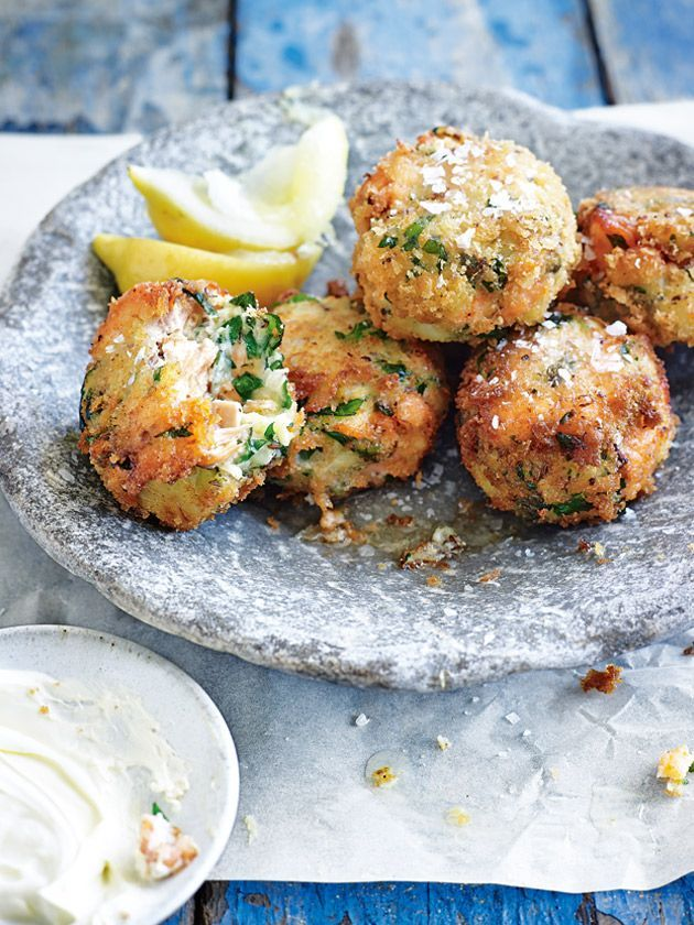 fish cakes with horseradish crème fraîche from donna hay