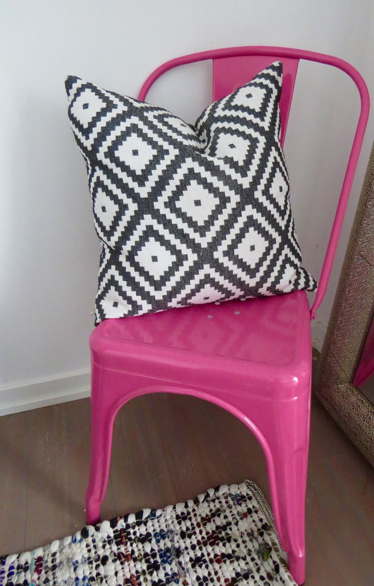 Could not resist this chair! Perfect pop of colour for my bedroom.