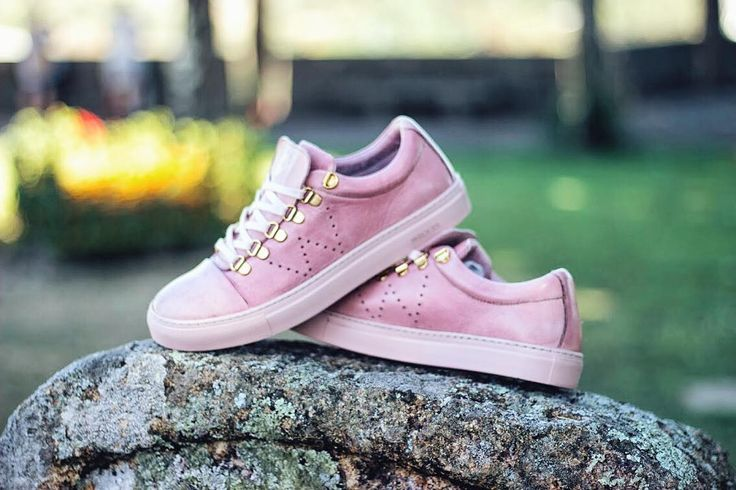 """Sue"" - Pink 👄 40% OFF in the entire website! Don't miss out !  To shop follow our link in the bio: wrocksfootwear.com 🌐  #washedrocks #wrocksfootwear #footwear #shoes #sneakers #sneakerhead #sneakerfreak  #sue #springfashion #springsummer2017 #summer2017 #photography #picoftheday #photooftheday"