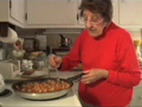 Great Depression Cooking - The Poorman's Meal (+playlist) ...so nice to watch...90+ Clara cooks meals her mom made during the Depression and tells personal stories. Interesting...multiple episodes