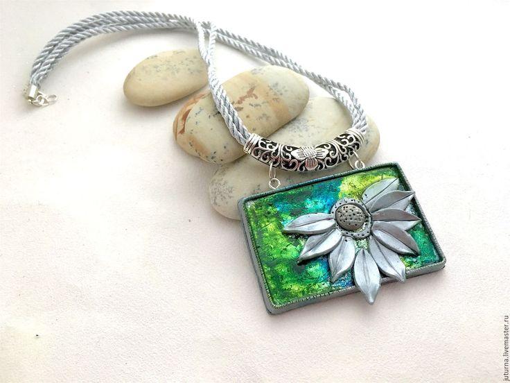 Купить Кулон на шнурах полимерная глина цветок «Калифорникейшн» - зеленый, кислотный, яркие цвета