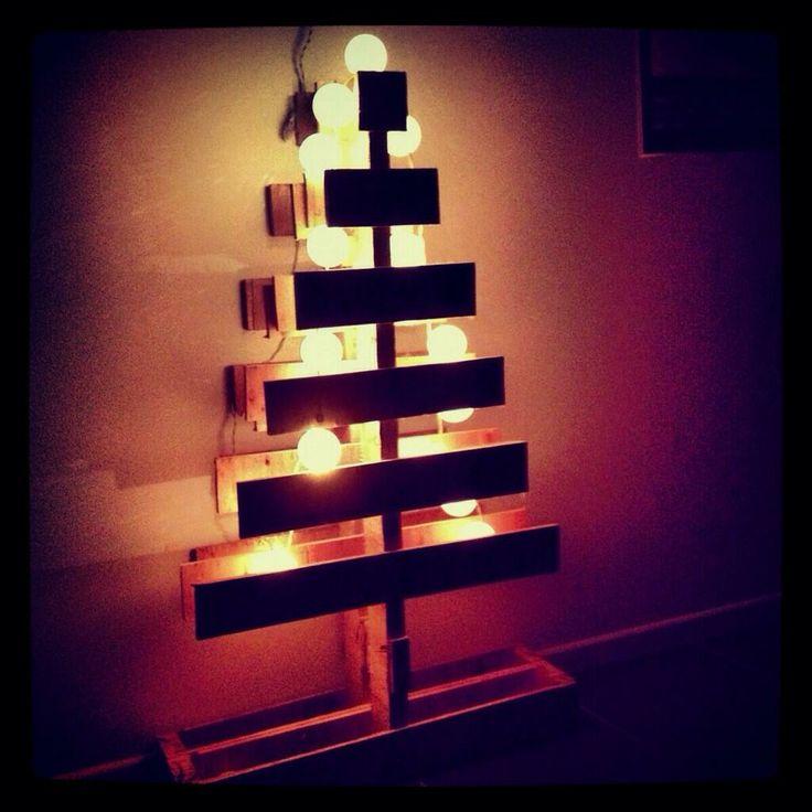 Lighted pallet Christmas tree