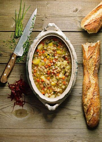 Genau das Richtige für kalte Wintertage: Diese Suppe mit Bündnerfleisch wärmt von innen.
