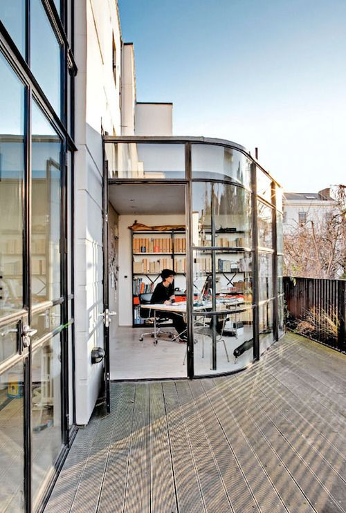 back to work… happy monday!musesofdesign:(via i could live here: bauhaus in kensington. / sfgirlbybay)