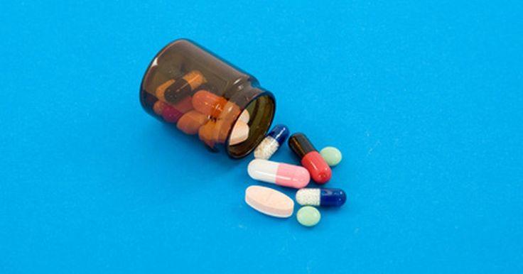 Medicamentos similares al Adderall. Adderall es un medicamento de prescripción comercializado por Shire Pharmaceuticals, indicado para el tratamiento del trastorno por déficit de atención con hiperactividad o TDAH. Las fórmulas para tratamientos prolongados y genéricos también están ampliamente disponibles y contienen los mismos ingredientes activos: anfetamina y dextroanfetamina. ...