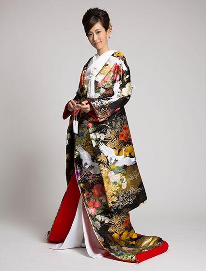 伝統に沿った格の高い式に憧れる♡伝統的でエレガントな色打掛の参照一覧。