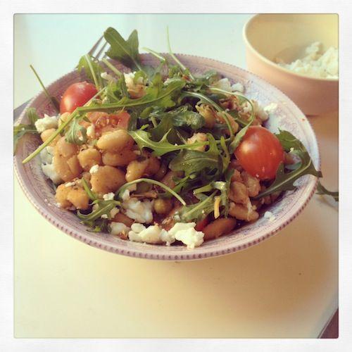 Salade met gebakken witte bonen, gezonde salade, gebakken bonen, beautiful food, foodblog, foodpic, foodpics, eetfoto's, mooie eetfoto's, foodporn, healthy, food, voedsel, recept, recipe