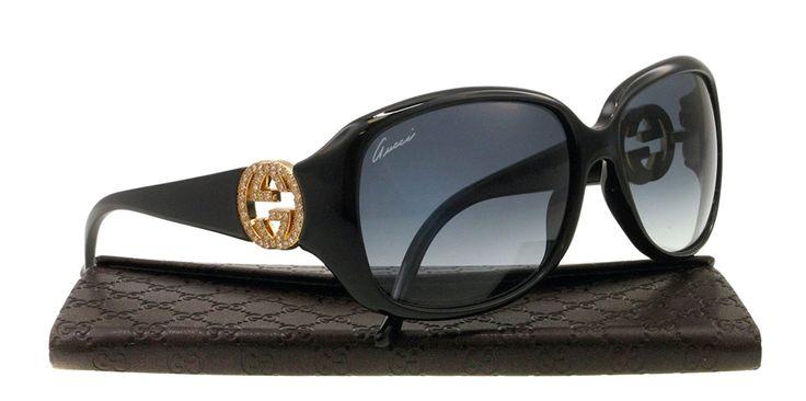 * GUCCI | GG3578/S *  $$  Les lunettes de soleil Guggi s'inspirent des sixties sur des formes très galbées et glamour. La collection de lunettes Gucci reprend les codes emblématiques de la marque. Ainsi, le ruban rouge et vert, le double G entrelacé et le bambou s'imposent sur la plupart des lunettes.