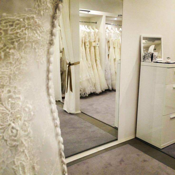 Exkluzív környezetben, professzionális szaktanácsadással várjuk kedves menyasszonyainkat  https://lamariee.hu