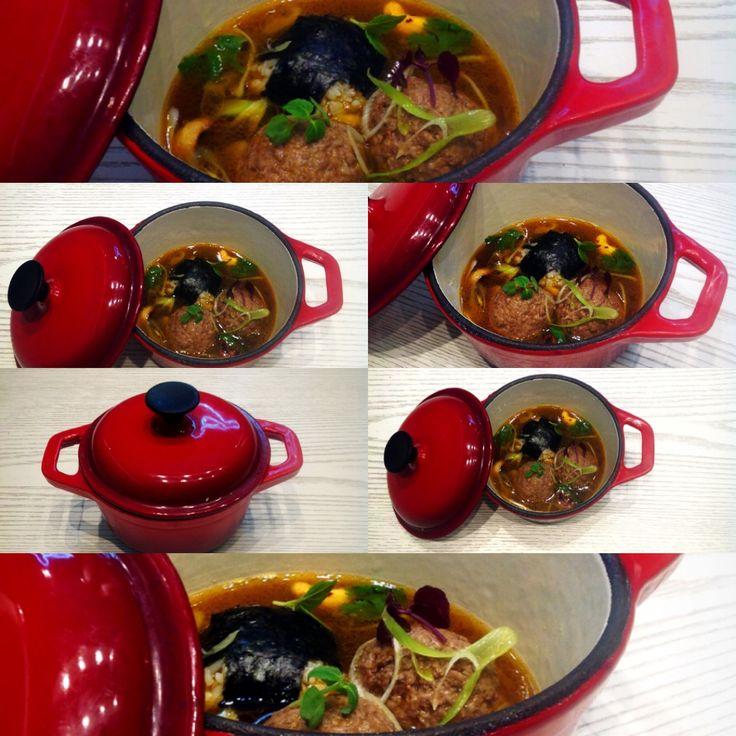 Γιουβαρλάκια 'apocalypsis' Μοσχαρίσια black angus κεφτεδάκια,sushi rice,soy sauce!!!