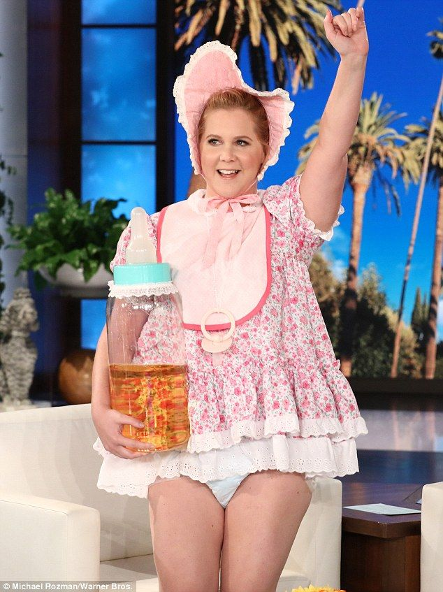 Amy Schumer flashes her diaper-clad bum on Ellen  Shell do anything for a laugh.  And Amy Schumer proved shed go above and beyond for the sake of comedy during her appearance on Ellen Thursday where she donned a frilly pink baby outfit.  While the I Feel Pretty star 36 embraced her inner child she wasnt afraid to exhibit her bare legs and diaper-clad bum while bending over host Ellen DeGeneres during the daytime show.  Scroll down for video  What a babe! Amy Schumer went above and beyond for…
