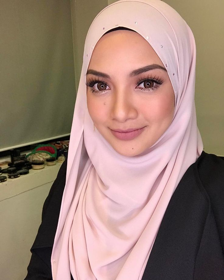Makeup is so on point, thanks to @syedewa Wearing @naelofarhijab's latest collection, EVA! Be the first to get the preview 7 days before here @naelofarhijab #evabyNH ❤ Launching Eva collection on this coming 24th of January 2017, tak sabar!