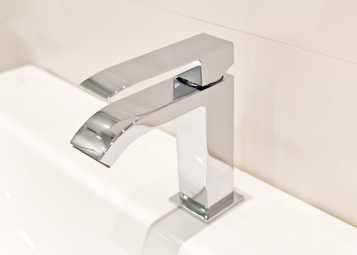 #bathroom #łazienka #viverto #InspiracjeViverto #bateria #armatura #chrom #srebrna #silver #biel #white #beautiful #perfect #cool