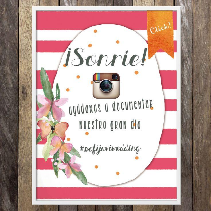 Añade un #hashtag y color a tus carteles de boda - https://www.bodas.net/invitaciones-de-boda/di-oui--e71827/fotos/26