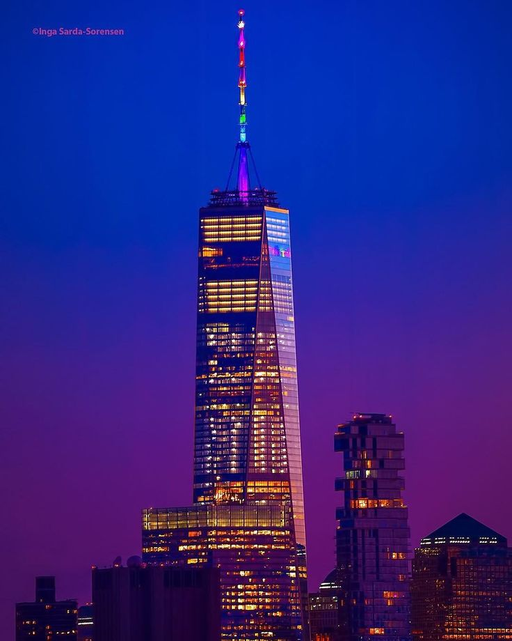 A pretty pink sunset tonight over the World Trade Center, shining bright tonight for NYC #Pride Weekend. 📷: isardasorensen/Twitter