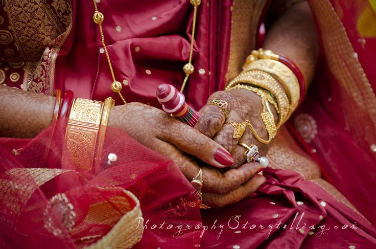 Photography Storytelling Indian wedding @ Calcutta 2012 [Image Credit: Nikitas Almpanis] For more images please visit www.photographystorytelling.com