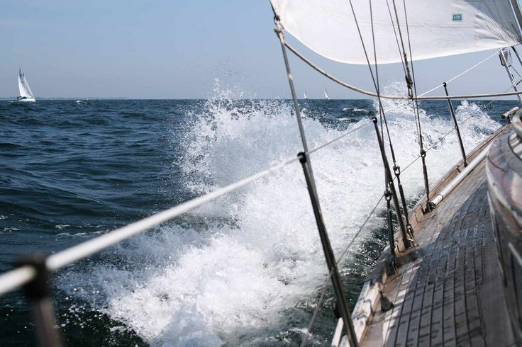 Crew Recruit - Yacht Crew Jobs, Boat Jobs, Cruise Jobs, Sailing Jobs, Sailing Crew, Deliveries - Cruise Jobs, Sailing Jobs, Luxury Yacht Jobs International