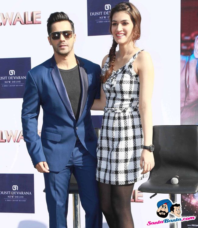 Dilwale Promotional Event -- Varun Dhawan and Kriti Sanon Picture # 326252