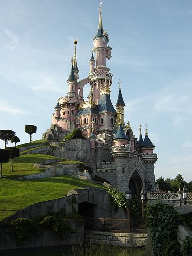 Disneyland...who doesn't love it!