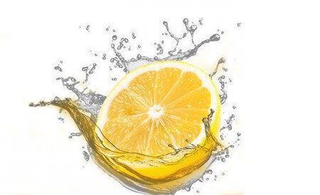 Água Detox | Tudo sobre a receita redutora de gordura, com gengibre e limão