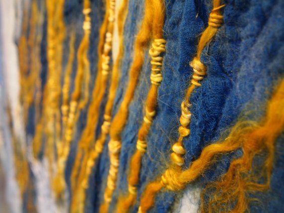 Claudy Jongstra wandkleed (http://justhaasnoot.nl/blog/een-blauwe-woensdag)