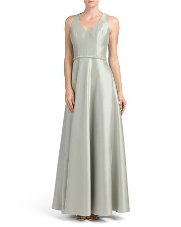 Zibeline+Sleeveless+V+Neck+Gown