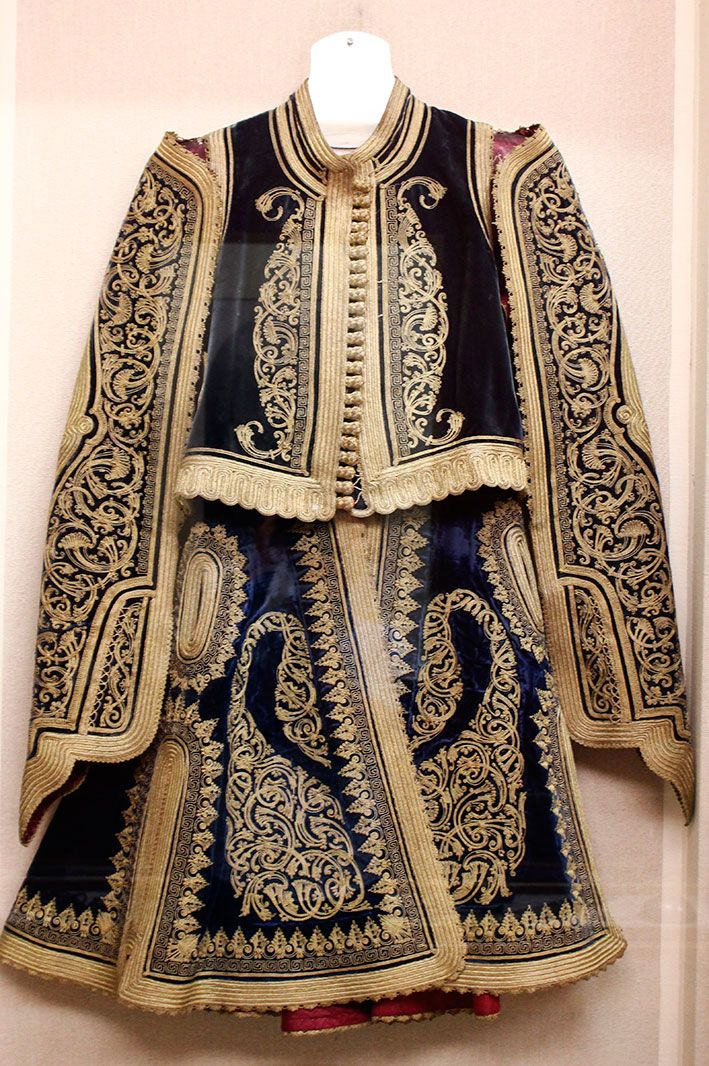 National History Museum, Athens - military costume [https://www.facebook.com/ETHNIKOSYMNOS/photos/10151932673520213]