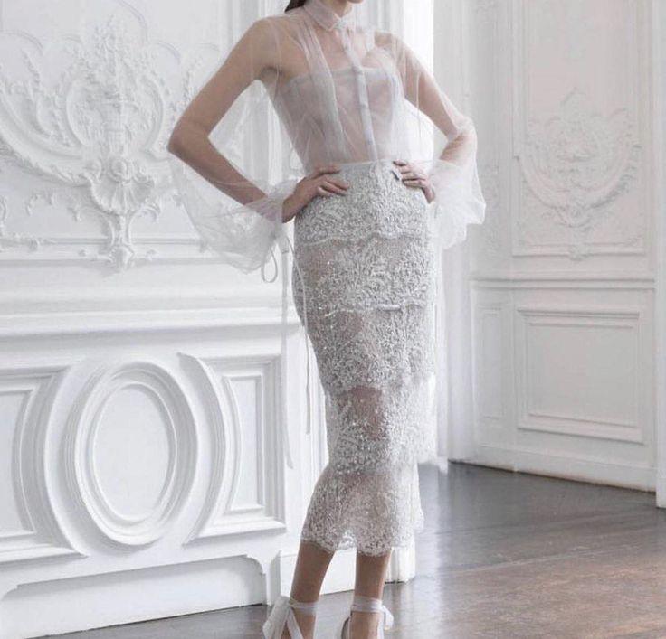 #evening #eveningdress #dress #inspiration #highheels