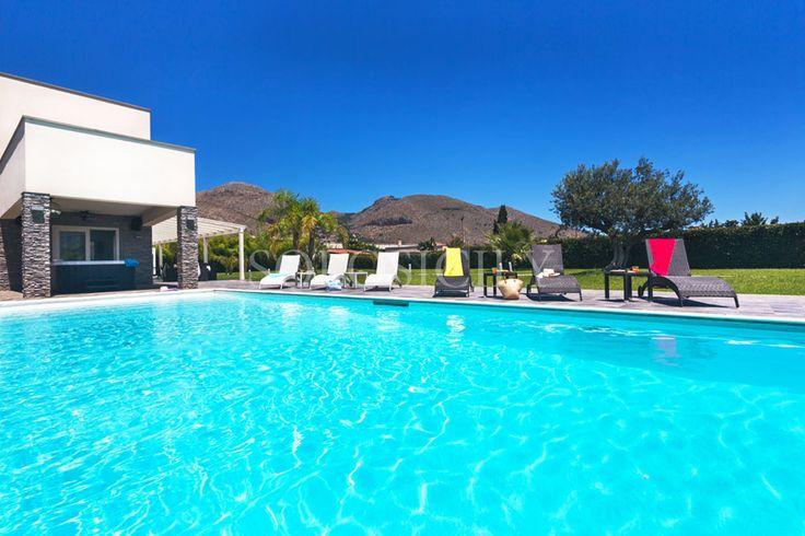 Kalia. Modern Villa, great for families, in Mondello, Sicily.