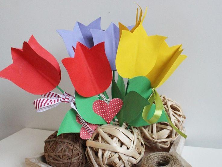 Bukiet Tulipanow Z Kolorowego Papieru Christmas Ornaments Gift Wrapping Holiday Decor
