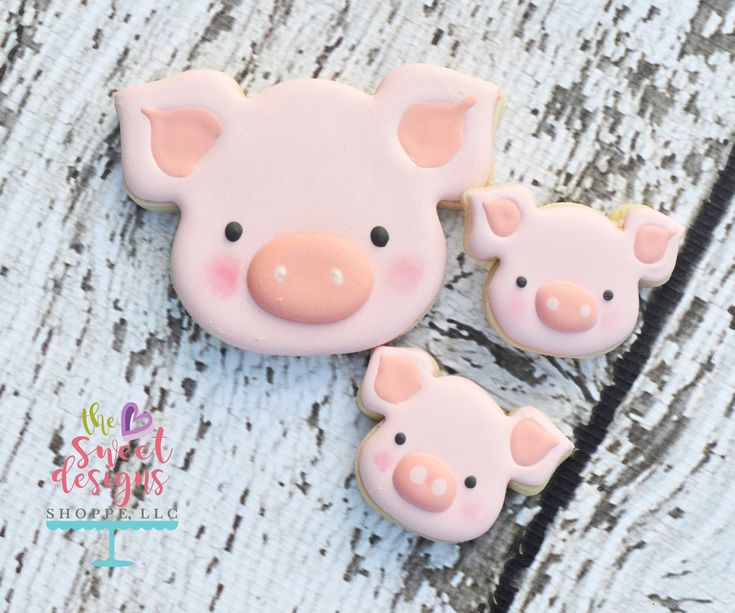 TheseFarm set of cutters was designedwhen a client ordered a ser ofCookies for her twins first Birthday andall my animal cutters where different scales. So