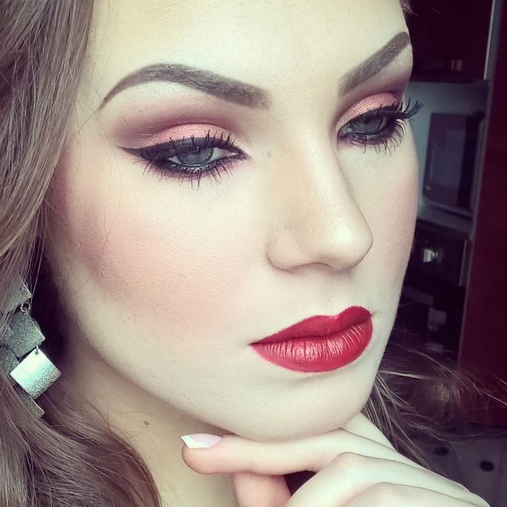 All about red makeup.