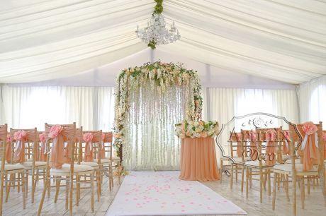 Оформление свадебной церемонии в загородном комплексе Иваново Подворье