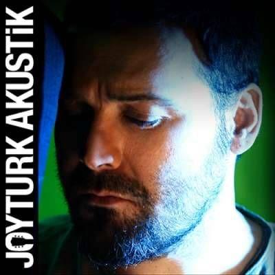 """JoyTurk Karnaval Player'da """"Yaşar - Acıtmıyor Sevdan (JoyTurk Akustik) - """" dinliyorum. http://karnaval.com/"""
