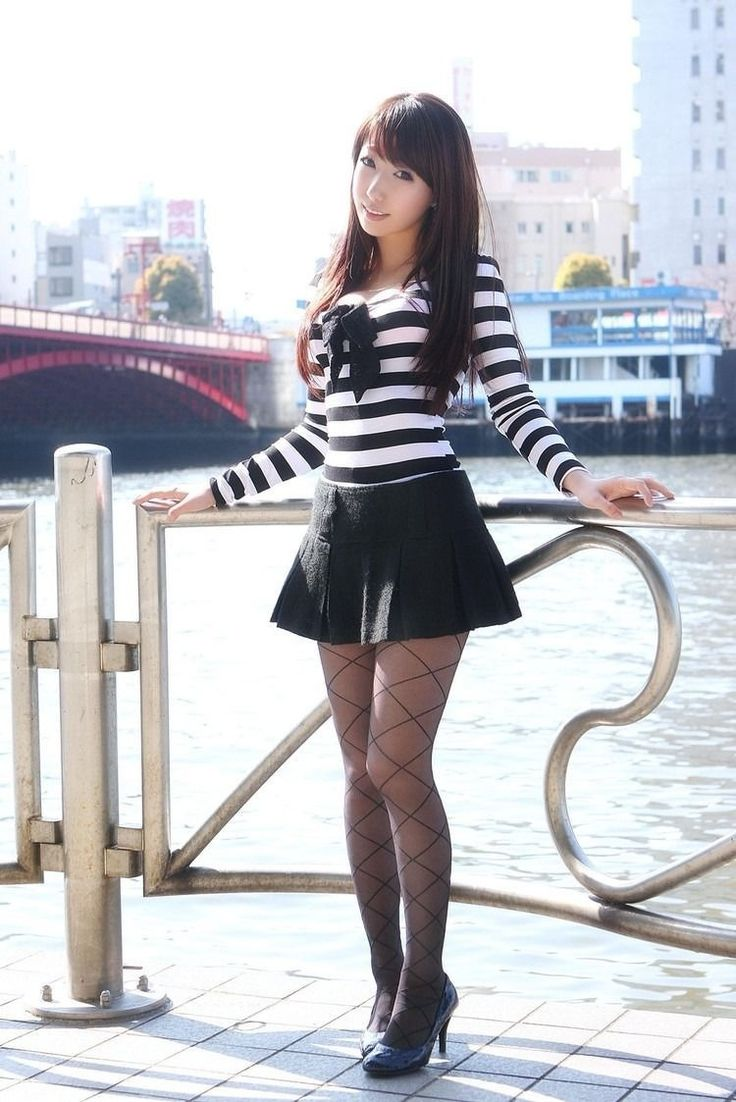 sexy-asian-girls-in-skirts-insert-dick-inside-tight-pussy