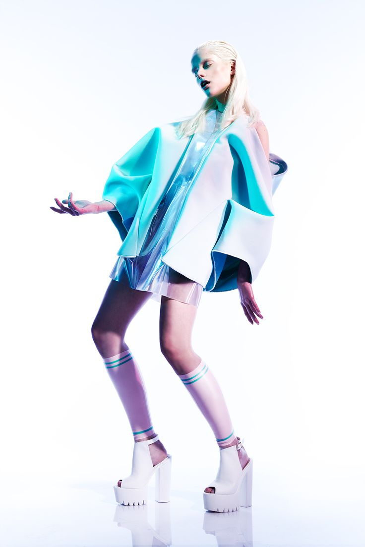 EVIN TISON // COLLECTION // INTERNAL MUTATION ART DESIGN FASHION MODEL BLOND PASTEL LATEX INNOVATION FLUO IRIDESCENT SCULPTURE