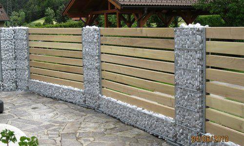 zaun fence gabionen mit holz einfahrt pinterest gabionen z une und holz. Black Bedroom Furniture Sets. Home Design Ideas