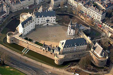 Chateau Bretagne, Nantes, France interior   Le château des ducs de Bretagne, à Nantes