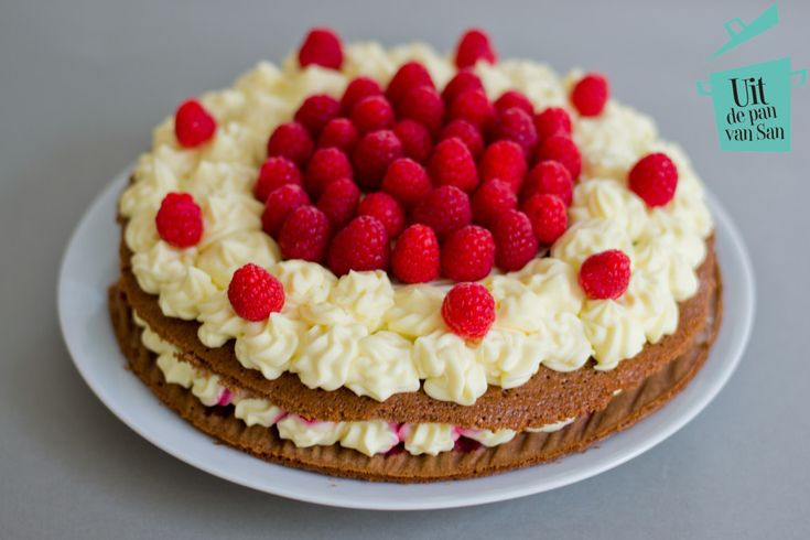 Witte chocolade framboos naked cake - Uit de pan van San