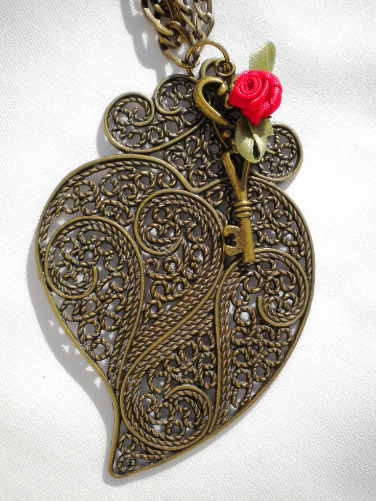 Heart Jewelry - Heart Pendant - Heart Necklace - Red Rose Necklace - Red Rose Jewelry - Rose Jewelry - Portuguese Necklace - Filigree. €10.00, via Etsy.