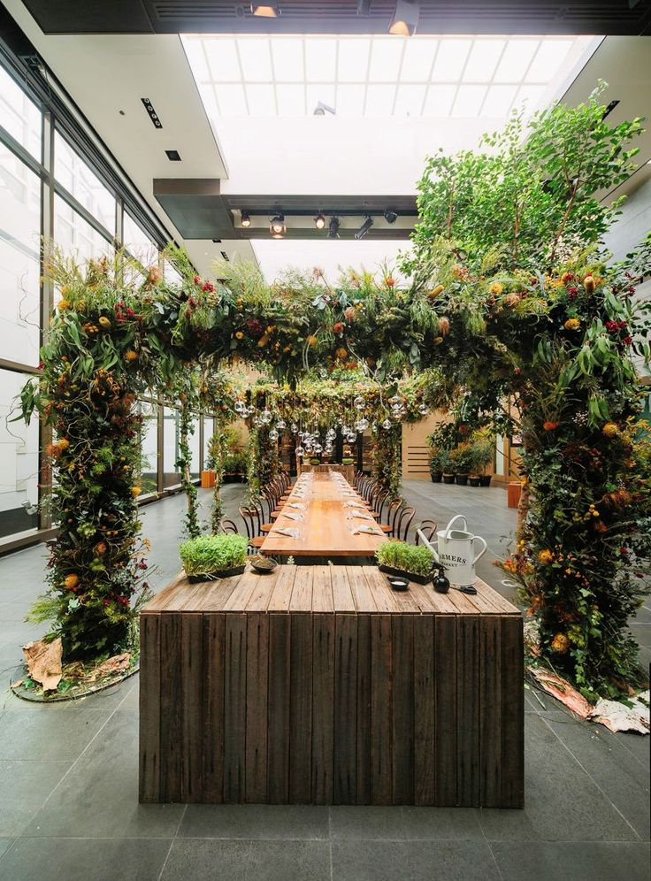 A canopy of local botanicals brings the outside in. Grand Hyatt Melbourne's holiday celebration was a lush, organic masterpiece. #LivingGrand | Grand Hyatt