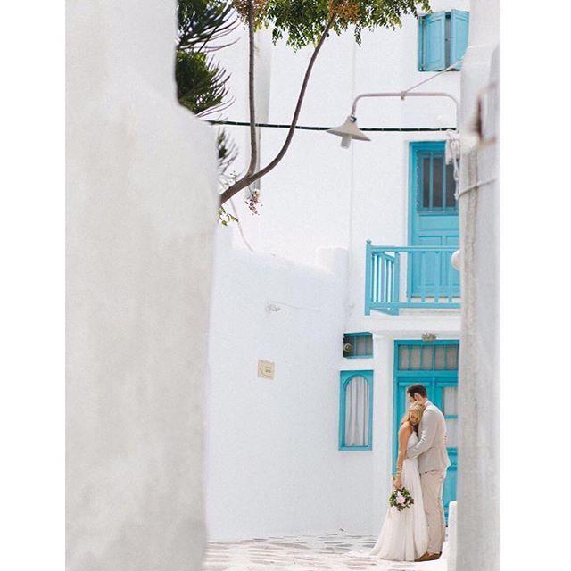 Myconian vibes 💙// @alexgrantphoto . . . #sophiesaidyes #mykonoswedding #weddingingreece #destinationwedding #greekislands #visitgreece #santoriniglamweddings #destinationweddingplanner