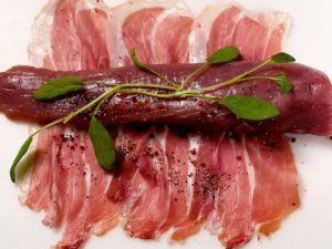 Svinefilet innbakt i spekeskinke,,,, det er så godt og enkelt