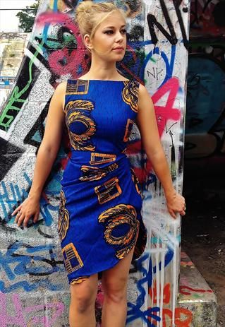 """""""Azize"""" African wax print dress Love the design especially on the shoulders"""